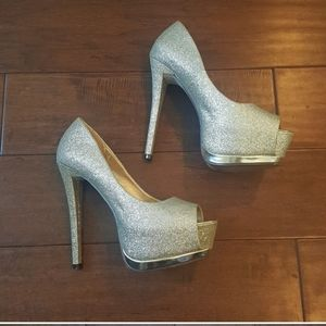 Speed Limit 98 Silver Sparkle Holiday Party Heels